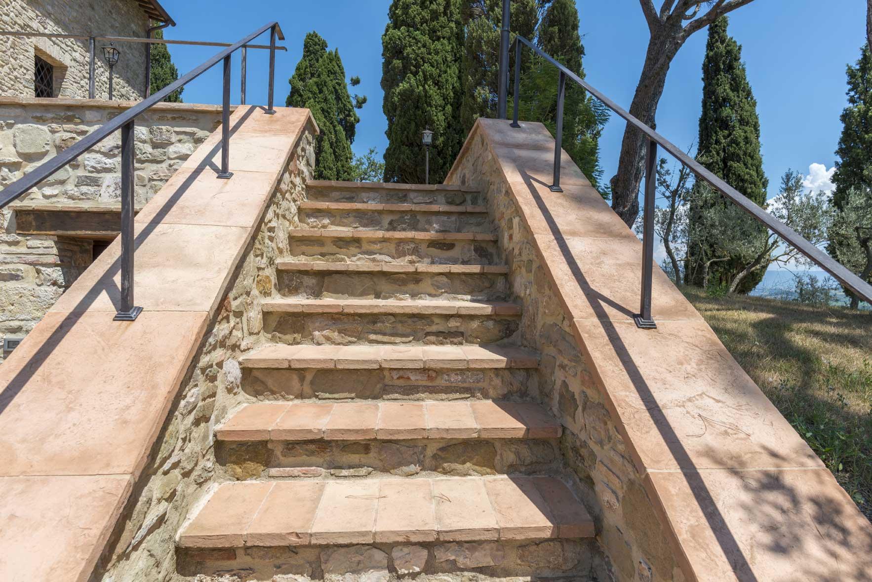 Mattoni per muratura cotto fatto a mano di fornace for Piastrelle per scale esterne