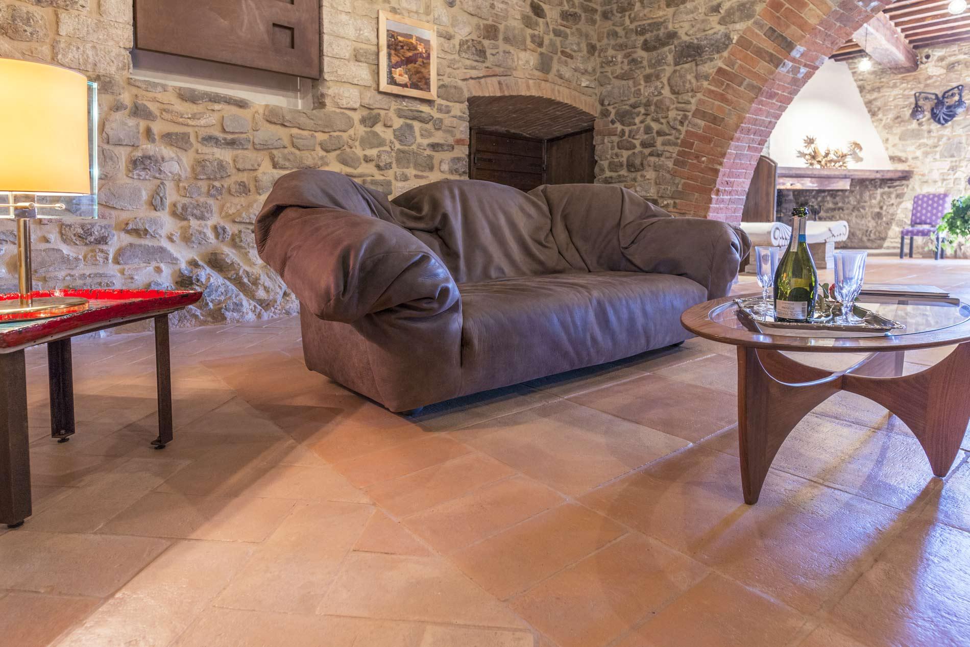 Pavimenti Rustici Interni : Pavimenti in cotto per interni: il mattone per interni in cotto