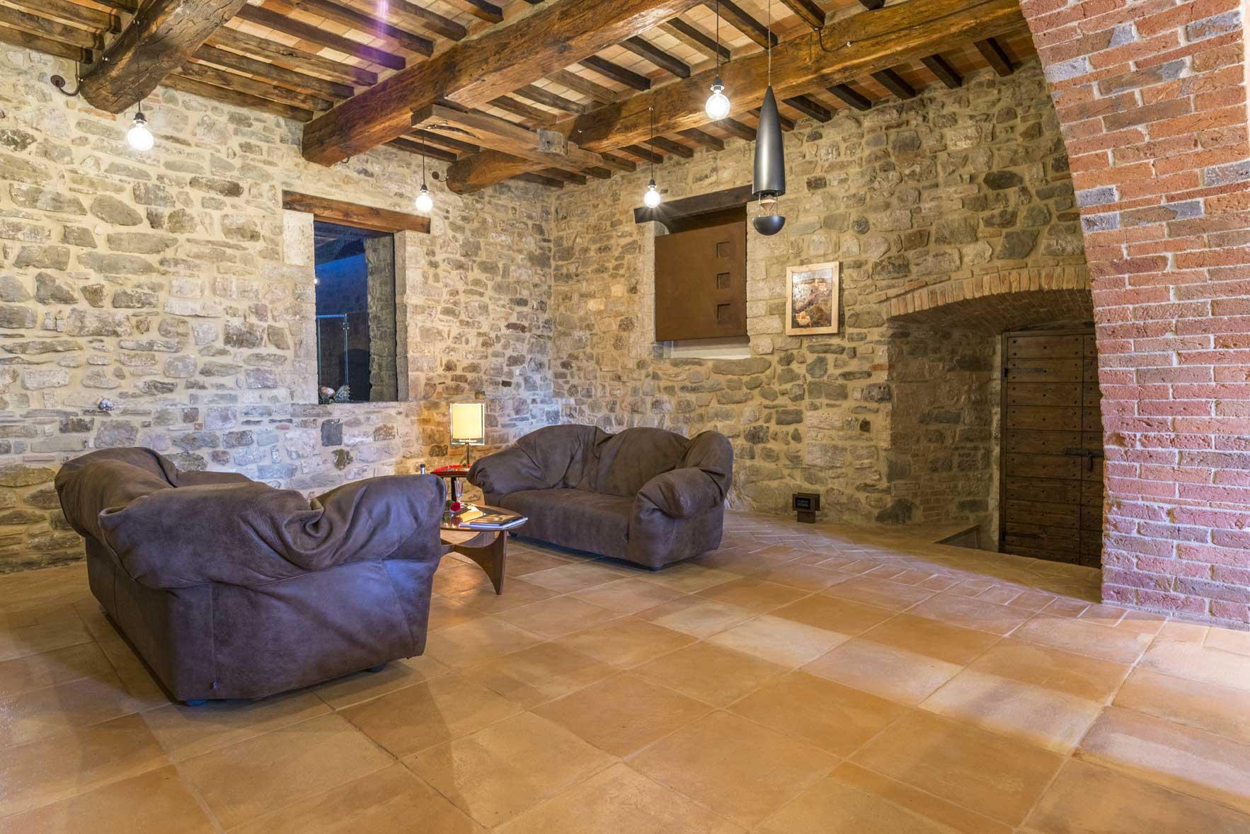 Pavimenti in finta pietra per interni - Interni rustici ...