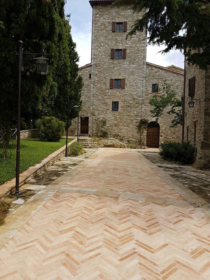 Pavimenti per esterni in cotto e mattoni in cotto per esterno vantaggi e stile - Mattoni per esterno ...