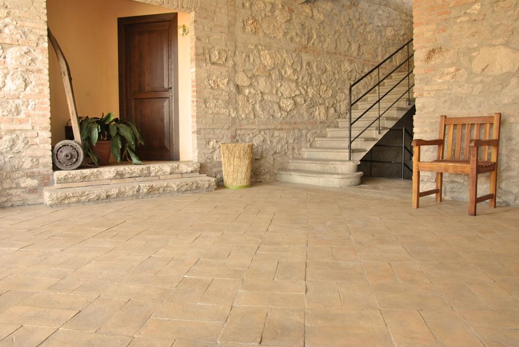 Pavimenti rustici come sceglierli e per quali ambienti fornace bernasconi - Piastrelle taverna ...