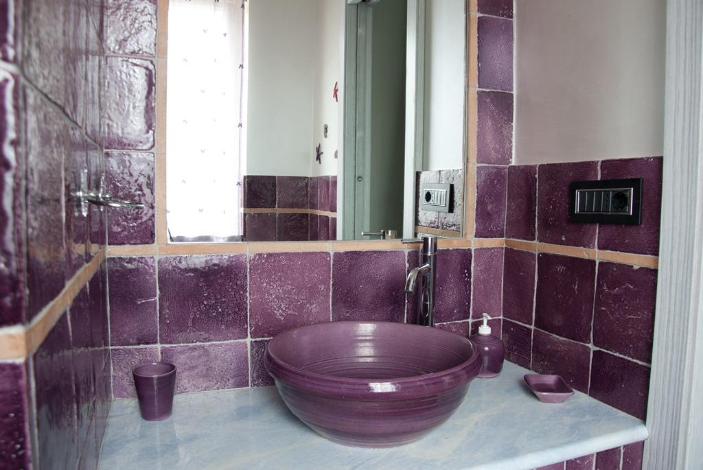 Mattonelle bagno idee per pavimenti rivestimenti e - Accessori bagno rustici ...