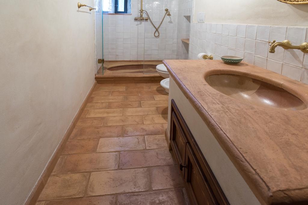 Mattonelle bagno idee per pavimenti rivestimenti e maioliche