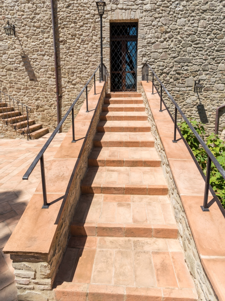 Gradini in cotto fatto a mano cotto fatto a mano di fornace bernasconi - Cotto per scale ...