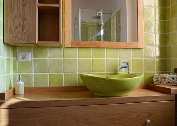 smaltato-verde-bagno-lavabo-rivestimenti