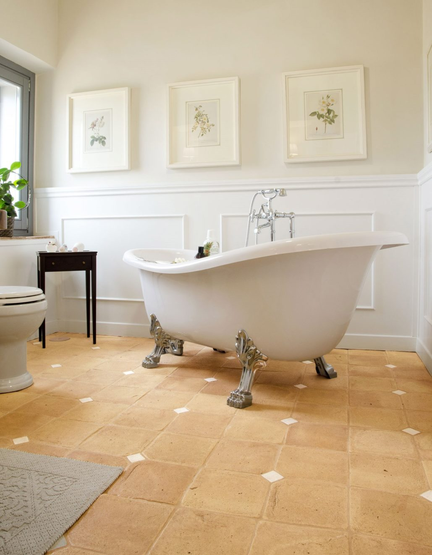bagno-pavimento-cotto-pentagonale
