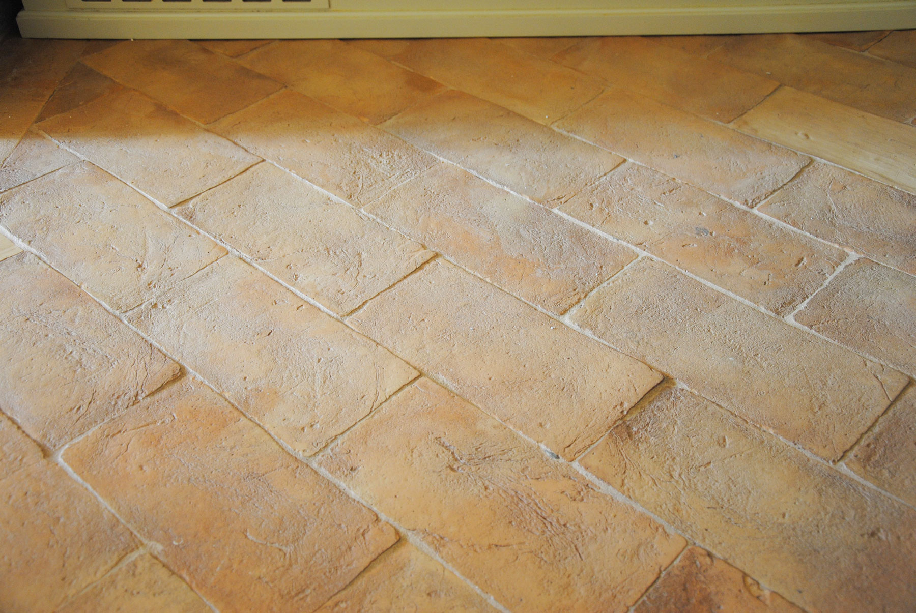 pavimenti stile industriale in cotto fatto a mano